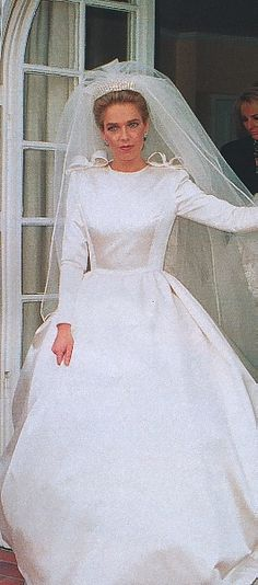 Feb 1990 - Archduchess Sophie of Austria wore a Valentino wedding gown