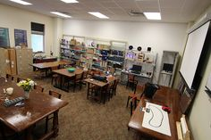 Makerspaces Move into Academic Libraries  Source:  ACRL TechConnect