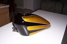 scallop tank paint - Google Search Custom Paint Motorcycle, Custom Motorcycles, Custom Bikes, Custom Paint Jobs, Custom Art, Candy Paint, Custom Tanks, Pinstriping, Cycling Art