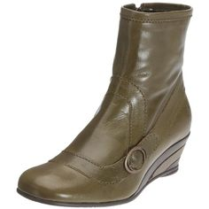 if i had a hundred dollars to drop on boots right now, i'd own these.