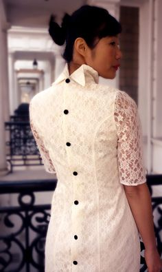 Ivory de encaje corto boda vestido hecho a medida