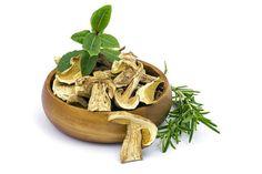 Skvelý trik so sušenými hubami: Namiesto do vody ich namočte do TOHTO, výsledok prekvapí celú rodinu | Casprezeny.sk