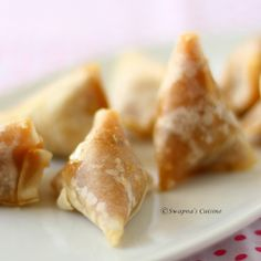 Churuttu, Thin Flour Pastry Sheets Filled with Sweetened Rice Filling ~ a famous Syrian Christian snack from Kottayam region of Kerala, South India