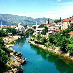 The incredible colours of The Old Bridge in Mostar, Bosnia are beautifully captured in this #gapsnap from @retr.ospective. #oldbridge #mostar #mostarbridge #bosnia #visitbosnia #europe #european #travel #traveling #travelling #travelgram #travelphotography #instatravel #instatraveling #river #blueskies #paradise