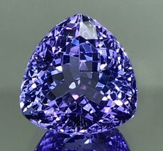 Tanzanite is so beautiful! Tanzanite Jewelry, Tanzanite Gemstone, Minerals And Gemstones, Rocks And Minerals, Gems Jewelry, Gemstone Jewelry, Jewellery, Rocks And Gems, Stones And Crystals