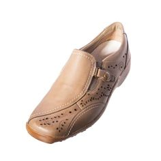 Remonte Berta D0508 05 Beige Leather Loafer Upper: leather Lining: leather/other material Sole: other material Removable footbed Heel height: 3 cm Elasticated gussets on each side for easy on/off.