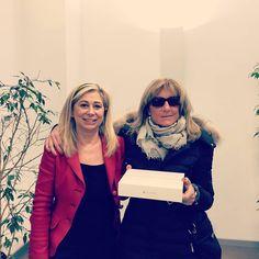 """La nostra Filiale di Riccione Centro assegna come premio un nuovissimo IPad Air al nostro cliente in merito al concorso di Chiara Assicurazioni """"Premia la tua Protezione"""" #bancacarim #riccione #premio #concorso #assicurazione #ipad #instagram #bancacarim"""