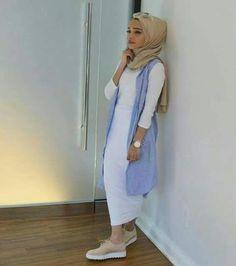Hijab, hijab fashion casual, hijab fashion summer, casual hijab outfit, s. Hijab Fashion Summer, Modest Fashion, Fashion Outfits, Islamic Fashion, Muslim Fashion, Mode Abaya, Modern Hijab, Hijab Style, Casual Hijab Outfit