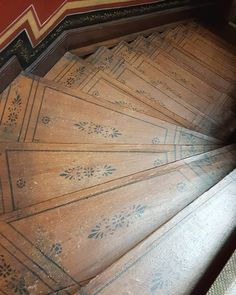 Flooring For Stairs, Wood Stairs, House Stairs, Swedish Cottage, Swedish House, Bridal Boutique Interior, Painted Wood Floors, Cosy Room, Stenciled Floor