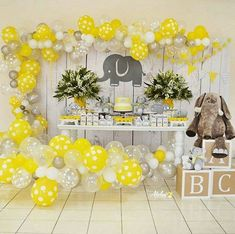 Like # sweet # elephant theme # 🐘 # About – baby shower Baby Shower Unisex, Baby Shower Yellow, Baby Boy Shower, Baby Shower Party Favors, Baby Shower Parties, Office Baby Showers, Baby Shower Themes Neutral, Baby Elefant, Shower Bebe