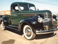 1946 Chevy Truck, Chevy Pickup Trucks, Classic Chevy Trucks, Chevy Pickups, Gmc Trucks, Lifted Trucks, Hot Rod Trucks, Cool Trucks, Vintage Pickup Trucks