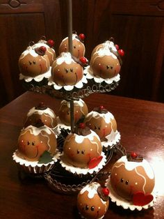 Cute gingerbread decor idea                                                                                                                                                                                 More