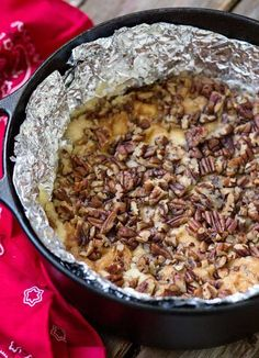 Simple to mix up, this Gluten Free Dutch Oven Dump Cake recipe is baked on the grill, saving your kitchen from heating up in the summertime. Dutch Oven Dump Cake Recipe, Dutch Oven Desserts, Dutch Oven Bread, Dutch Oven Cooking, Dutch Oven Recipes, Dump Cake Recipes, Cooking On The Grill, Fun Cooking, Dump Cakes