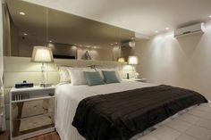 cabeceira-com-espelho-bronze Home Bedroom, Bedrooms, House, Furniture, Design, Home Decor, Blog, Mirrors, Nova