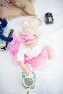 1 year old girl   http://www.tommiecochrumphotography.com/2013/03/miss-d-turning-1.html Done