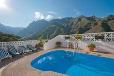 Ganze Unterkunft in Agaete, ES. Das Haus liegt auf der Wohnsiedlung La Suerte und bietet einen spektakulären Blick auf Agaete Tal