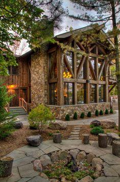 Devil's Lake rustikal-haus-und-fassade – Devil's Lake Rustic House and Facade – Design Exterior, Rustic Exterior, Facade Design, Exterior Doors, Haus Am See, Log Cabin Homes, Log Cabins, Small Log Cabin, Barn Homes