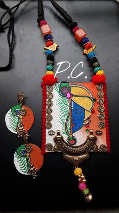 Jewelry Design Earrings, Clay Jewelry, Jewelry Crafts, Jewelry Art, Art Necklaces, How To Make Necklaces, Handmade Jewelry Designs, Handmade Jewellery, Diy Fabric Jewellery