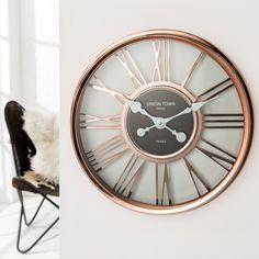 Horloge murale moderne 45 cm avec des chiffres romains coloris cuivre