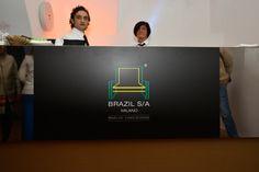 Brazil S/A 2014 - digital e impresso, coordenação e design. time: Dani Gautio (diretora criativa) Andrew Iucher (designer)   Felipe Batista (estagiário programação)   Priscila Gomes (user testing) E Design, Flat Screen, Blood Plasma, Flatscreen, Dish Display