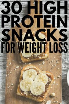 Whether youre looking for healthy low carb breakfast on the go ideas need 100 calorie snacks to help you lose weight or need easy portable snacks to eat before or after a workout weve got 30 high protein snacks that are not only delicious but that 100 Calorie Snacks, Healthy Protein Snacks, Healthy Drinks, High Protein Snacks On The Go, Healthy Low Calorie Breakfast, Protein For Breakfast, High Protein Lunch Ideas, High Carb Snacks, Protein Packed Snacks
