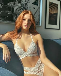 Sexy Outfits, Attractive Girls, Strip, Beautiful Redhead, Gorgeous Women, Redheads, Red Hair, Sexy Lingerie, Belle