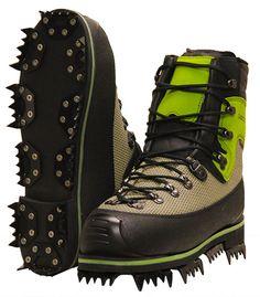 LOWA F1 Extrem. Der Profistiefel für Waldarbeit im schweren Gelände. Sprechen Sie uns an. Men's Shoes, Shoe Boots, Mountain Gear, Laced Boots, Lumberjacks, Winter Shoes, Chainsaw, Types Of Shoes, Firefighter