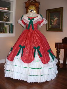 Red & Green Civil War ball gown--I could imagine Liz Claus in this gown. Maybe when she was young.  Or maybe even now.  She has a flair for the dramatic.