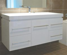 Yarra1200%20Bathroom%20side