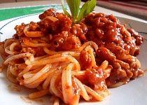 Boloňské špagety s mletým masem podle Petry Spaghetti, Cooking Recipes, Meat, Chicken, Ethnic Recipes, Food, Bulgur, Food Recipes, Meals
