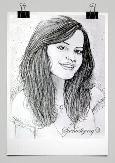 All Pencil sketches are portraits and fashion looks. Beautiful Girl Sketch, Face Sketch, Disney Art, Hand Drawn, Art Drawings, How To Draw Hands, Pencil, Sketches, Portraits