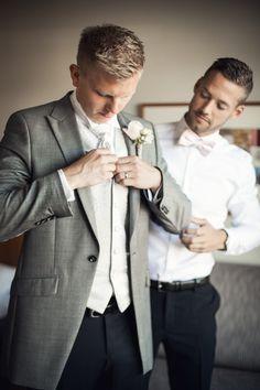 #hotelltylösand #halmstad #wedding #bröllop #vintage #weddingday #bröllopsdag #groom #groomsmen #brudgum #marskalk #weddinginspiration #bryllop pic by: www.photodesign.nu