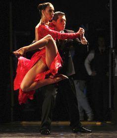 Los reyes del tango 2012 - Damn they look amazing Swing Dancing, Ballroom Dancing, Dance Images, Dance Pictures, Shall We Dance, Lets Dance, Bailar Swing, Danse Salsa, Argentine Tango