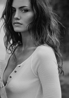 Phoebe Tonkin - not so great at acting, but she's so beautiful! Hippie Look, Pretty People, Beautiful People, Guy Aroch, Woman Crush, Sensual, Pretty Face, Girl Crushes, Gorgeous Women