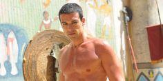El actor brasilero cautivó a la platea femenina con sus trajes egipcios y su encanto. No te pierdas las imágenes.