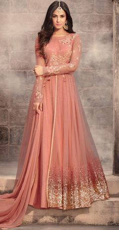 Looking to buy Anarkali online? ✓ Buy the latest designer Anarkali suits at Lashkaraa, with a variety of long Anarkali suits, party wear & Anarkali dresses! Abaya Fashion, Fashion Mode, Fashion Week, Indian Fashion, Fashion Dresses, Emo Fashion, Indian Gowns Dresses, Pakistani Dresses, Indian Outfits
