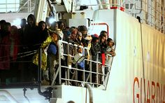 Almost 400 migrants drown in Ship tragedy off Libya