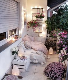 30 small cozy balcony garden ideas you should kleine gemütliche Balkon Garten Ideen, die Sie sehen sollten – Isabelle Style – Mix 30 Small Cozy Balcony Garden Ideas You Should See – Isabelle Style – # exceptional decoration # balcony planting - Apartment Balcony Decorating, Apartment Balconies, Apartment Living, Apartment Porch, Bedroom Apartment, Living Room, Small Balcony Decor, Balcony Ideas, Small Patio