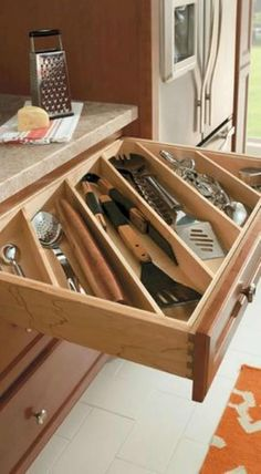 Here are the Diy Kitchen Organization Ideas You Can Try At Home. This post about Diy Kitchen Organization Ideas You … Best Kitchen Cabinets, Smart Kitchen, Kitchen Drawers, Kitchen Tops, Organized Kitchen, Kitchen Ideas, Floors Kitchen, Kitchen Utensils, 10x10 Kitchen