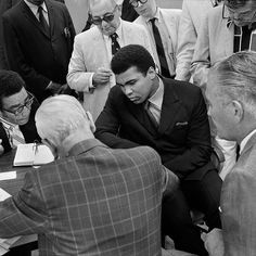When @muhammadali refused induction into the U.S. military in 1967 citing religious grounds as a member of the Muslim faith he was immediately stripped of his heavyweight title and his boxing licenses in New York and other states were tossed aside too. Only in 1970 did things begin to shift when a New York judge ruled that New Yorks athletic commission had violated @muhammadalis rights by barring him from fighting. 10 days later on September 24 1970 @muhammadali showed up at the commissions…