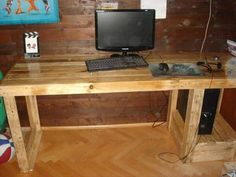 Computer desk is not very difficult to make because it is a very simple pallet table which every person can make it in the home easily and carefully. As like in this picture an other simple handmade wooden pallet computer desk is placed in the room on which a system is placed on it.