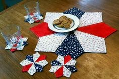 Learn to make this centerpiece and matching coasters for your summer table décor.