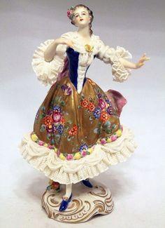 одноклассники Dresden Porcelain, Fine Porcelain, Porcelain Ceramics, Ceramic Art, Ceramic Figures, Porcelain Tiles, Painted Porcelain, Dresden Dolls, Indian Dolls