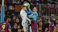 Torres head, Barca's Ter Stegen hands | Copa del Rey, 1st leg, Quarter Finals, 21 January 15: FC Barcelona 1 -  Atletico Madrid 0