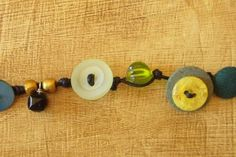 Love this buttons bracelet, I have so many of them in my sewing room. Great tutorial.