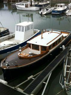 Yacht Design, Boat Design, Fishing Yachts, Motor Cruiser, Classic Wooden Boats, Deck Boat, Cabin Cruiser, Classic Yachts, Boat Projects