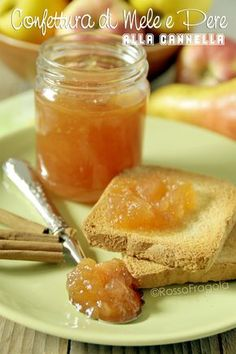 Apple and pear jam with cinnamon one of the best you have ever tasted Italian Desserts, Italian Recipes, Chutney, My Favorite Food, Favorite Recipes, Pear Jam, Jam Cookies, Cheesecake Desserts, Happy Foods