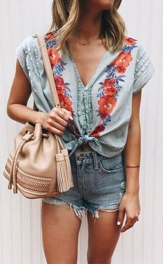 Cute outfits for teens summer fashion outfits 2019 Trend Fashion, Look Fashion, Womens Fashion, Ladies Fashion, Fashion Ideas, Feminine Fashion, Fall Fashion, Floral Fashion, 50 Fashion