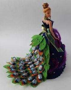 Diy Bouquet, Candy Bouquet, Bridal Gifts, Wedding Gifts, Bridal Gift Wrapping Ideas, Chocolate Bouquet Diy, Diy Flowers, Flower Diy, Wedding Plates