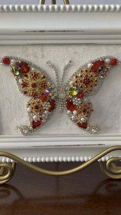 Costume Jewelry Crafts, Vintage Jewelry Crafts, Vintage Costume Jewelry, Jewelry Tree, Jewelry Frames, Acrylic Gems, Button Art, Bead Art, Handmade Art